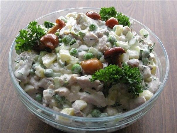 Тұрып пен жұмыртқа қосылған жеңіл салат