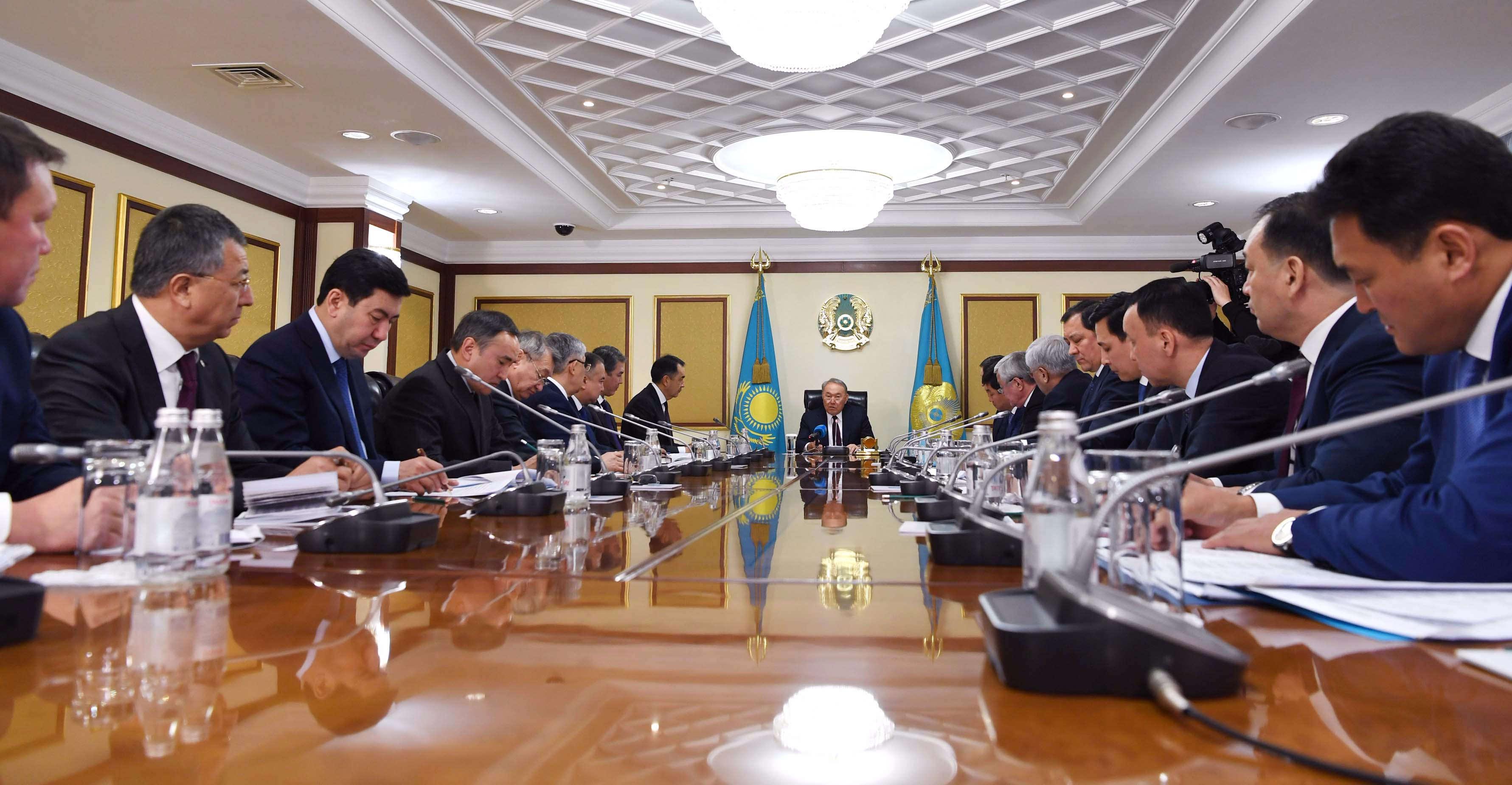 Елбасы облыстардың, Астана және Алматы қалаларының әкімдерімен кеңес өткізді