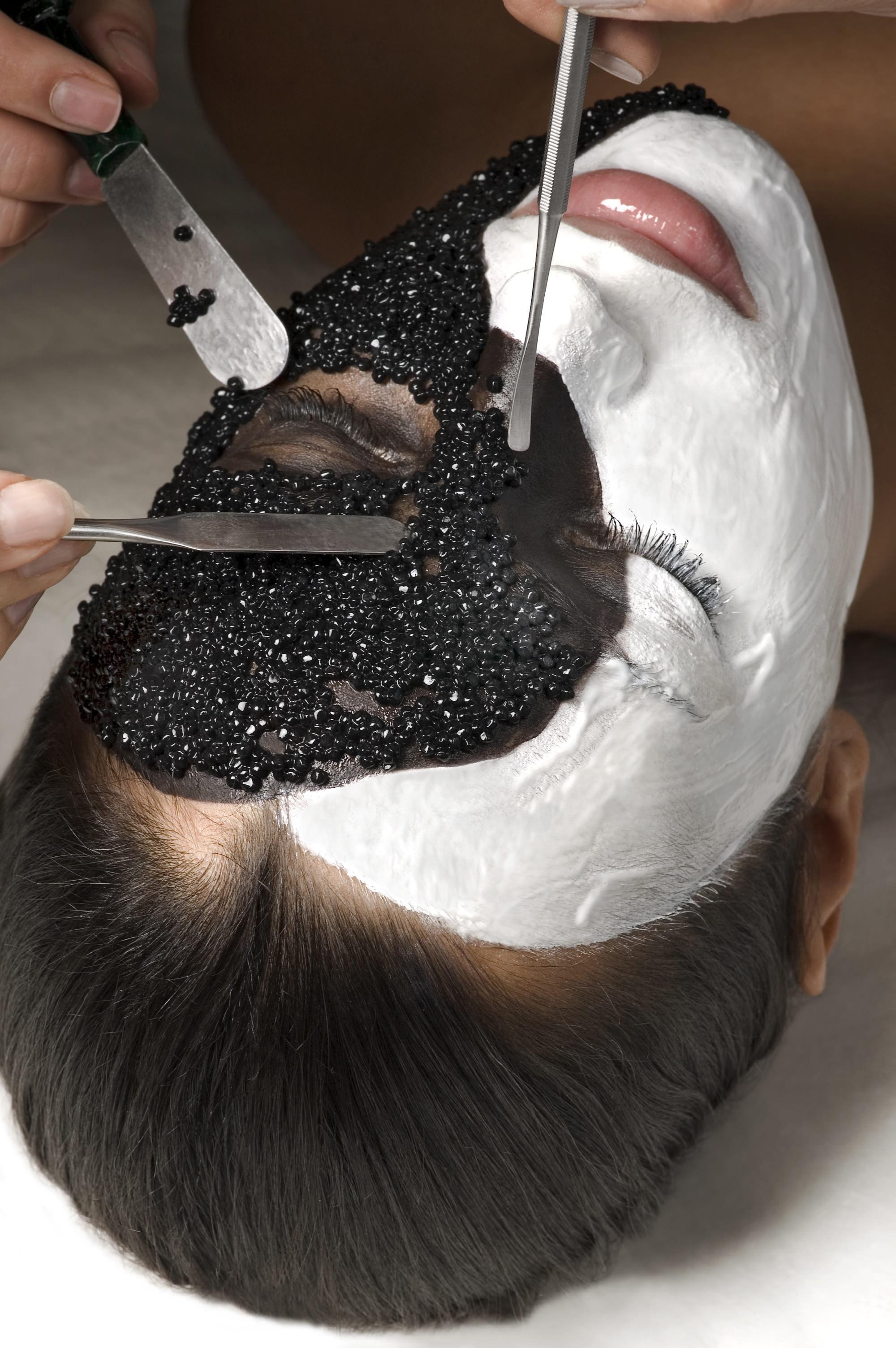 Уылдырық маскасы бетке әжім түсірмейді
