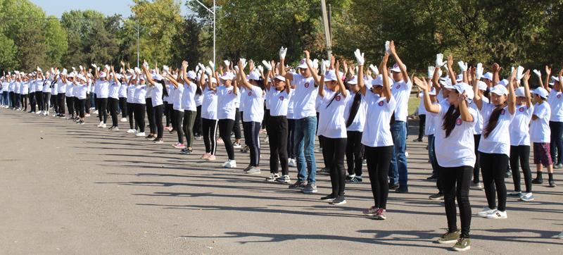 Түркістанда Мақтаарал ауданы Шардараға эстафета жолдады