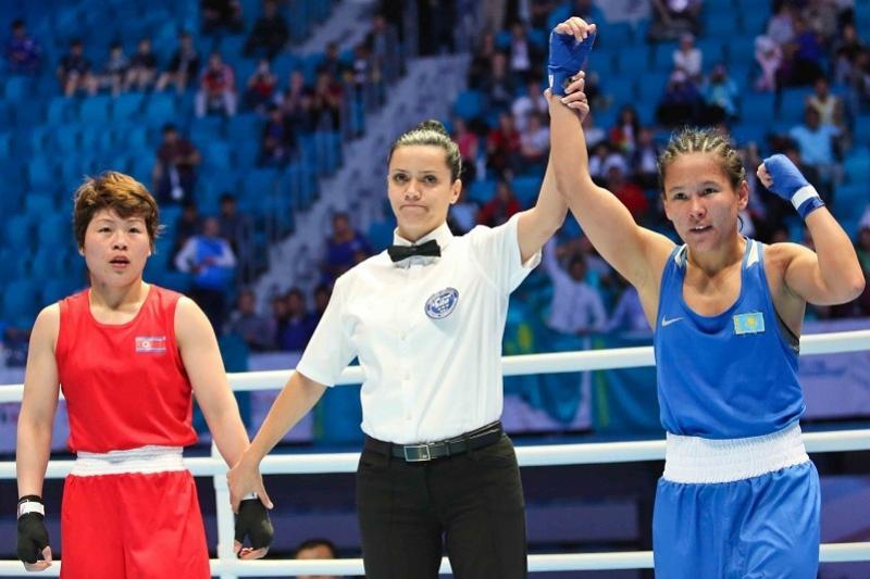 Қазақстандық қос боксшы әлем чемпионатының жартылай финалына шықты