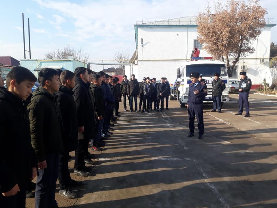 Түркістандық жасөспірімдер полиция жұмысымен танысты