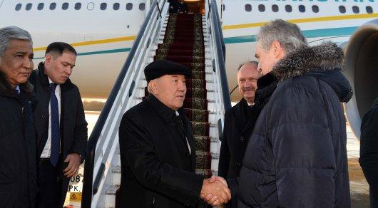 Назарбаев жұмыс сапарымен Санкт-Петербургке барды