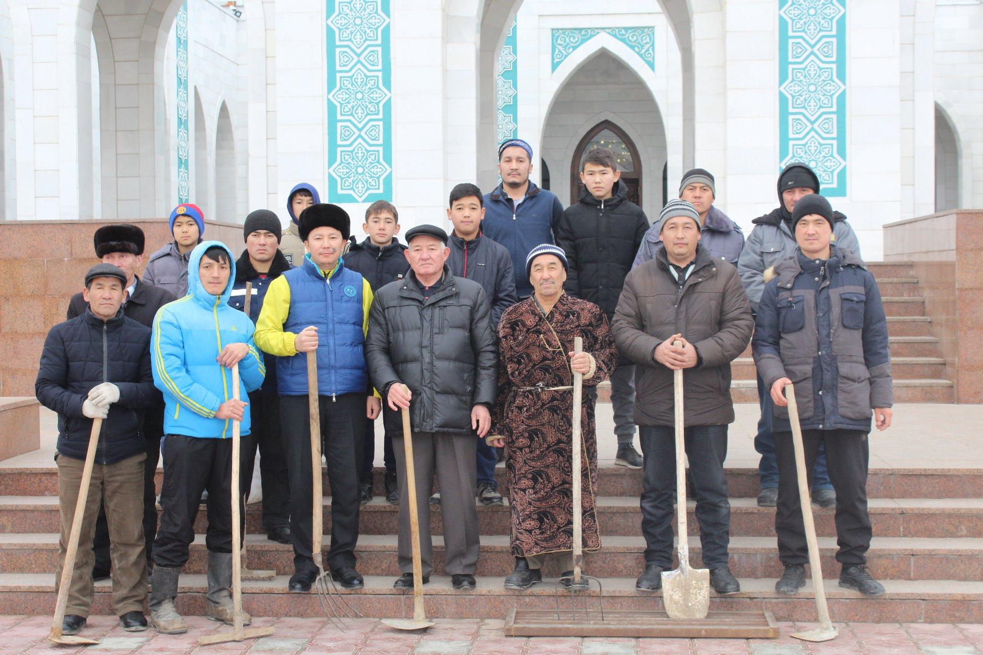 Түркістан облысында дін қызметкерлері тазалық жұмыстарын өткізіп жатыр