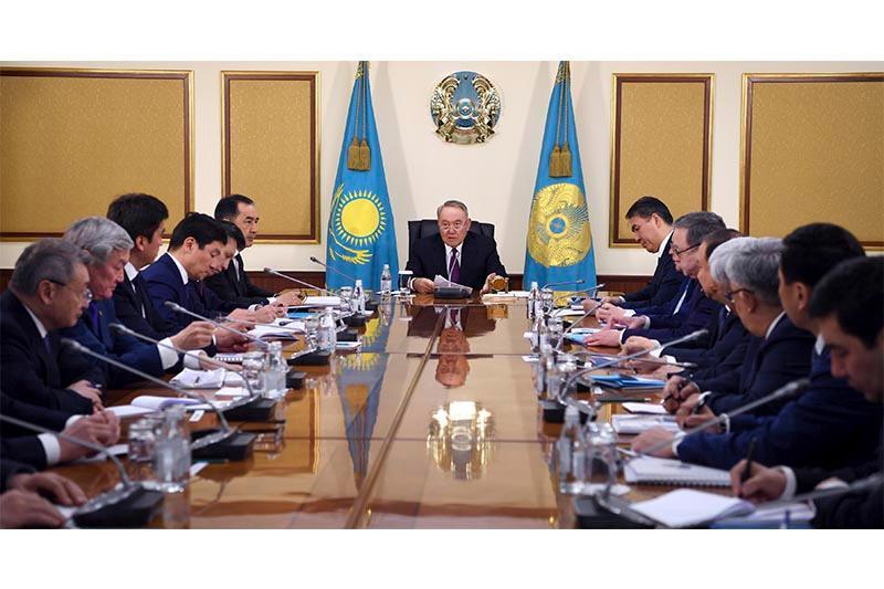 Глава государства провел совещание с акимами областей, Алматы, Астаны, Шымкента