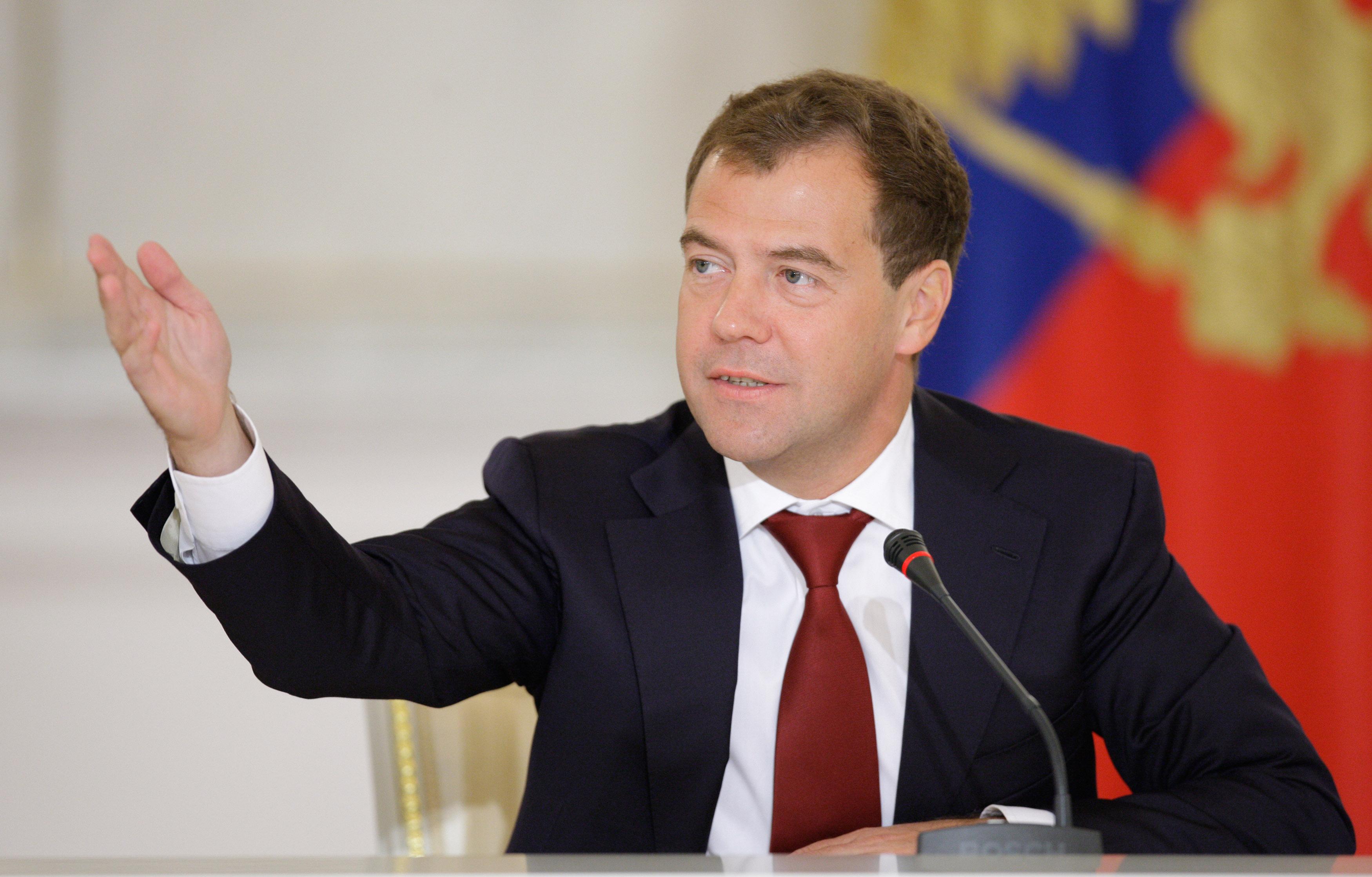 Дмитрий Медведев Алматыда ЕАЭО-дағы әріптестеріне қазақ тілінде үн қатты