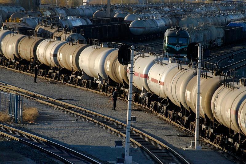 Қазақстан Орталық Азия елдеріне мұнай өнімдерін экспорттауды бастайды
