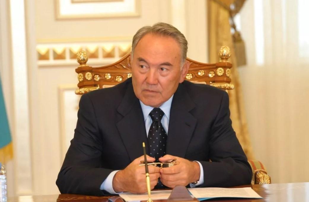 Нұрсұлтан Назарбаев өкілеттігін тоқтатқанын мәлімдеді