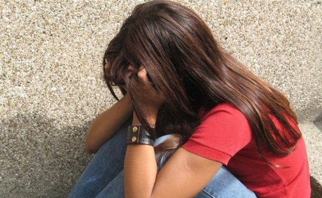 Қырғызстанда 15 жастағы қыз туған әкесінен жүкті болып, бала туды