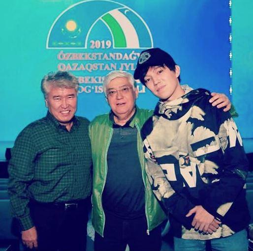 Димашты Өзбекстандағы жанкүйерлерлері ерекше ілтипатпен қарсы алды