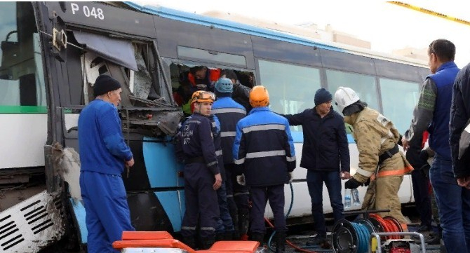 Елордадағы автобус апаты: «Астана LRT» зардап шеккендерді іздестіріп жатыр