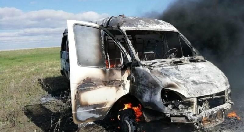 СҚО-да полицейлер өртке оранған микроавтобустан 11 баланы құтқарды