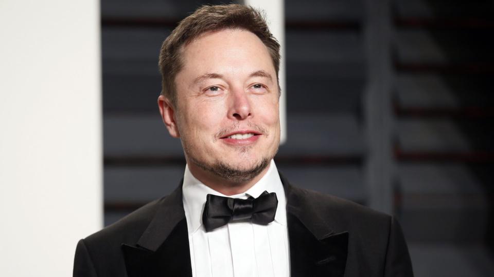 Илон Маск әлемге тегін интернет тарату жұмысын бастады (видео)