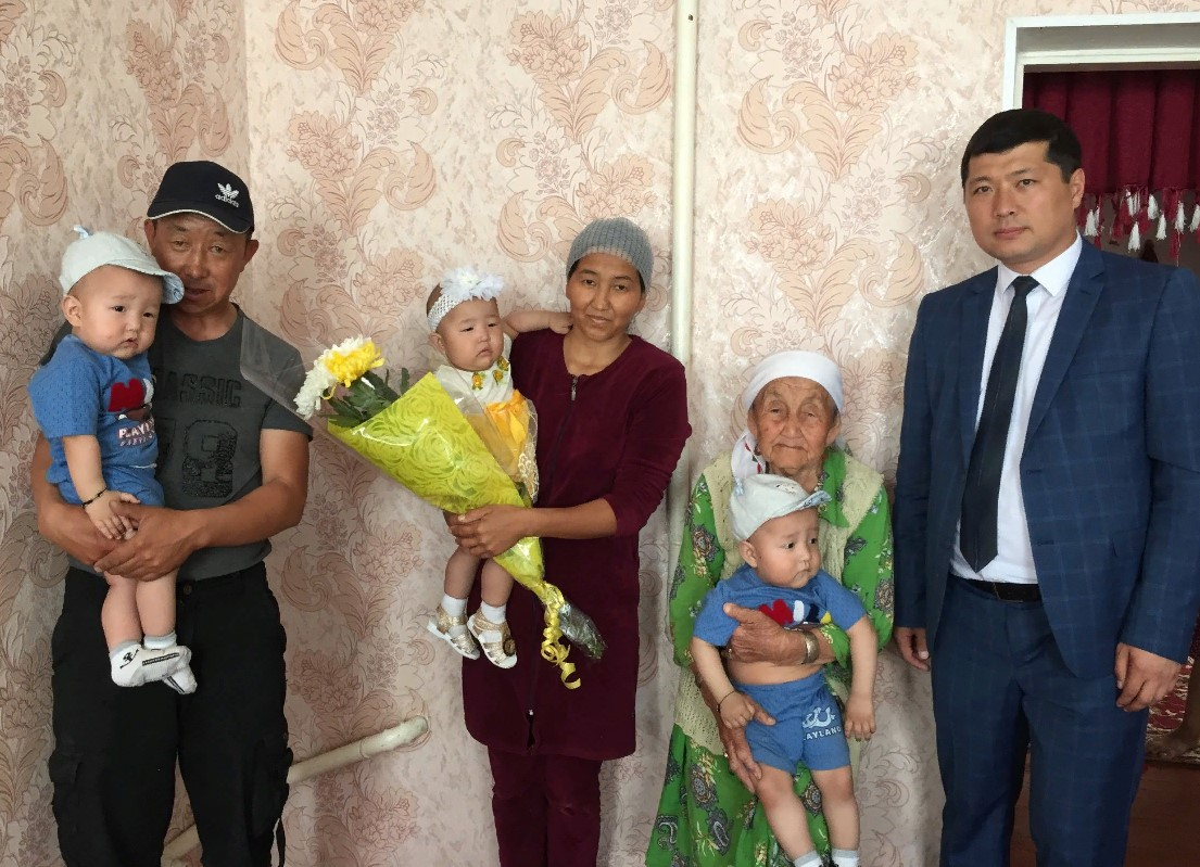 ТҮРКІСТАН: Түлкібаста Рәміздер күнінде дүниеге келген үшем бір жасқа толды