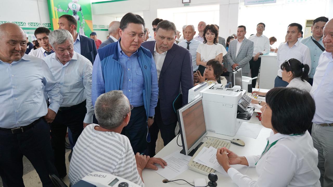 ҚР Премьер-Министрі Асқар Мамин Арыс қаласындағы қалпына келтіру жұмыстарының барысын тексерді