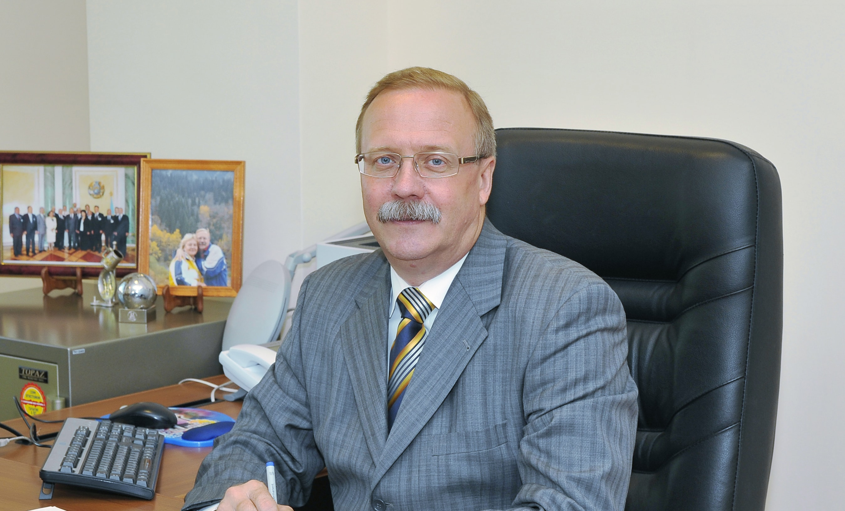 Малиновский Конституциялық кеңес мүшесі болып тағайындалды