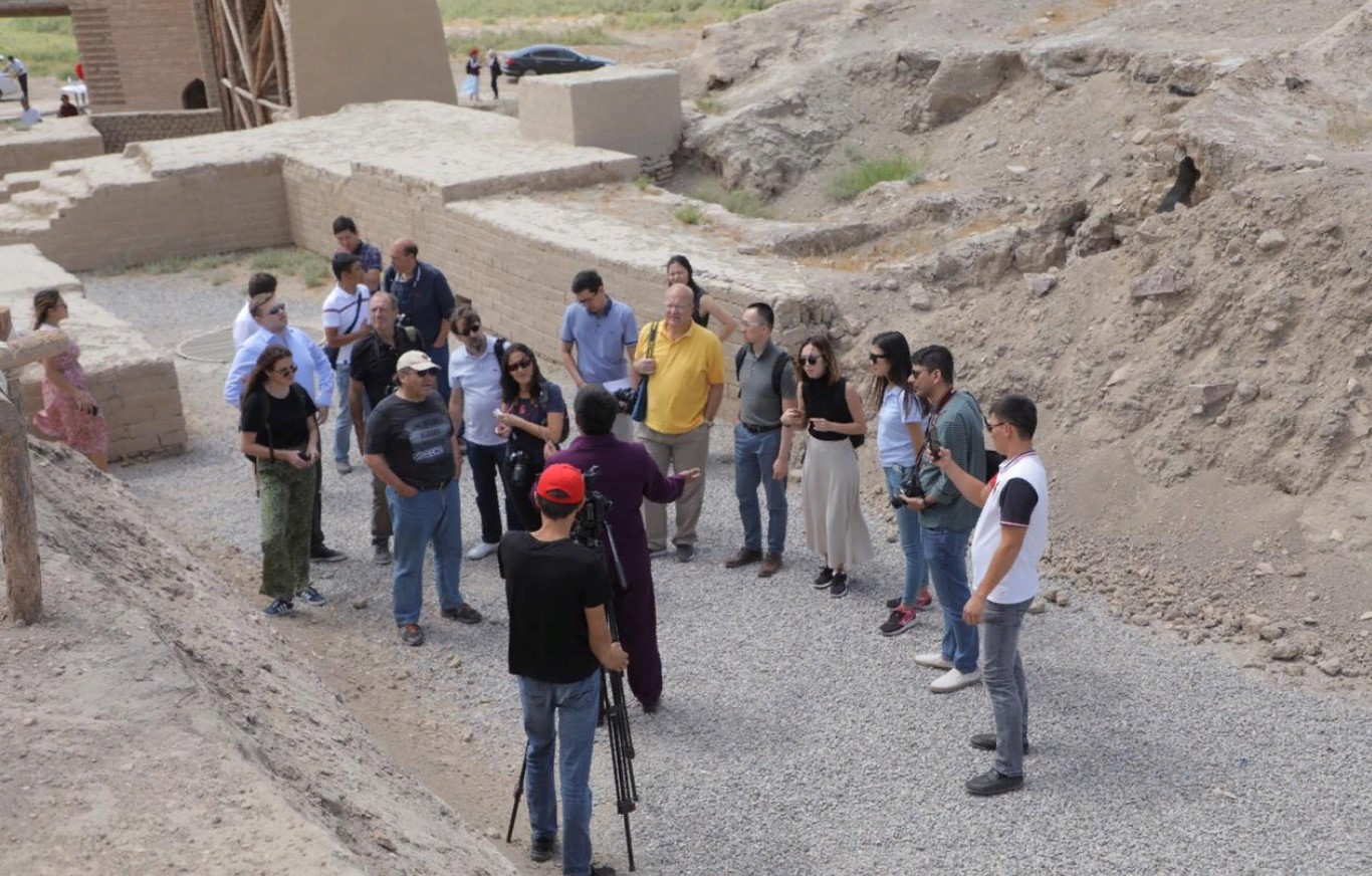 Түркістанға шетелдік журналистер келді