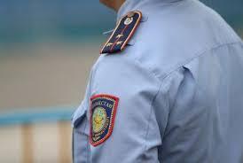 Алматыда өзін полиция қызметкері деп таныстырып, шетелдіктерді алдаған алаяқ ұсталды