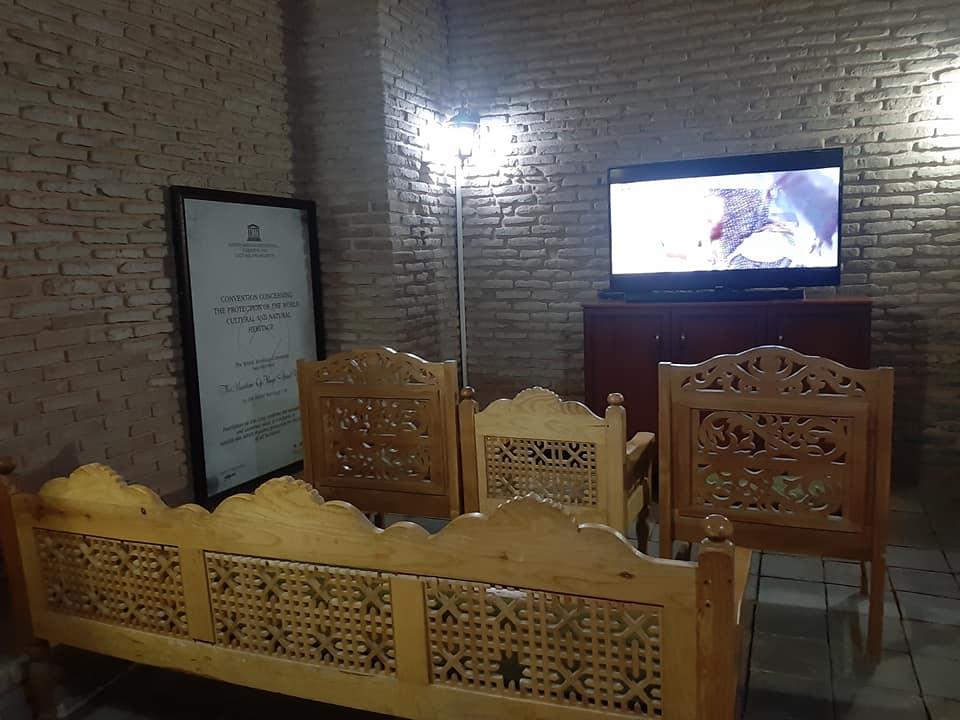 ТҮРКІСТАН: Қ.А.Яссауи кесенесіне оюлы ағаш орындықтар қойылды
