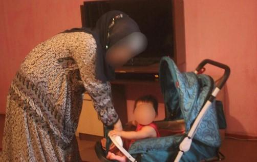 Бес баласымен Сириядан оралған арыстық әйел азапты күндерін айтып берді