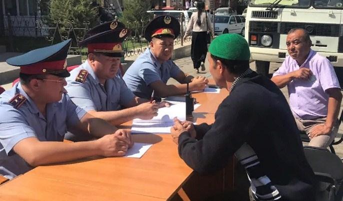 ШЫМКЕНТ: Полиция қызметкерлері «Жолда қабылдау» акциясын өткізді