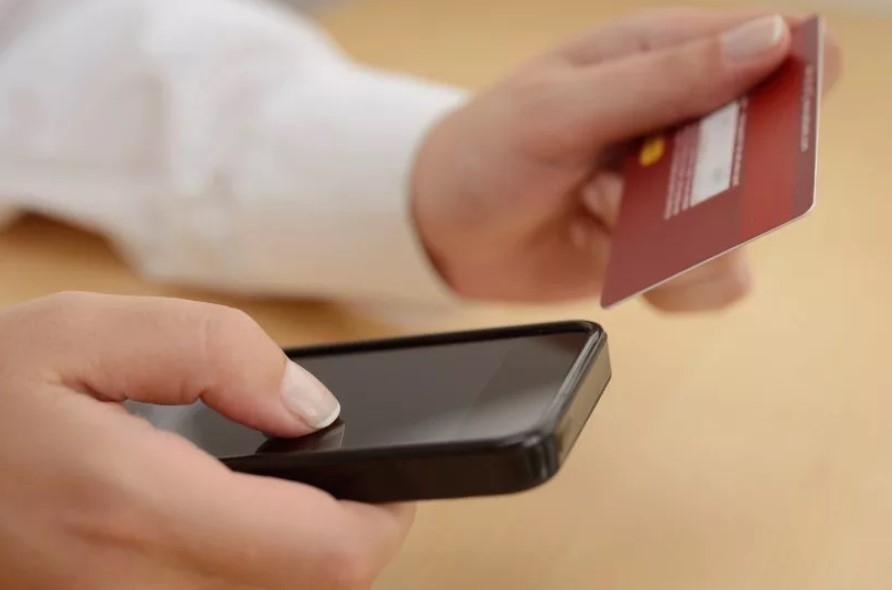 ТҮРКІСТАН: Арыстық тұрғын көршісінің ақшасын телефонмен ұрлап, оның атынан несие алған