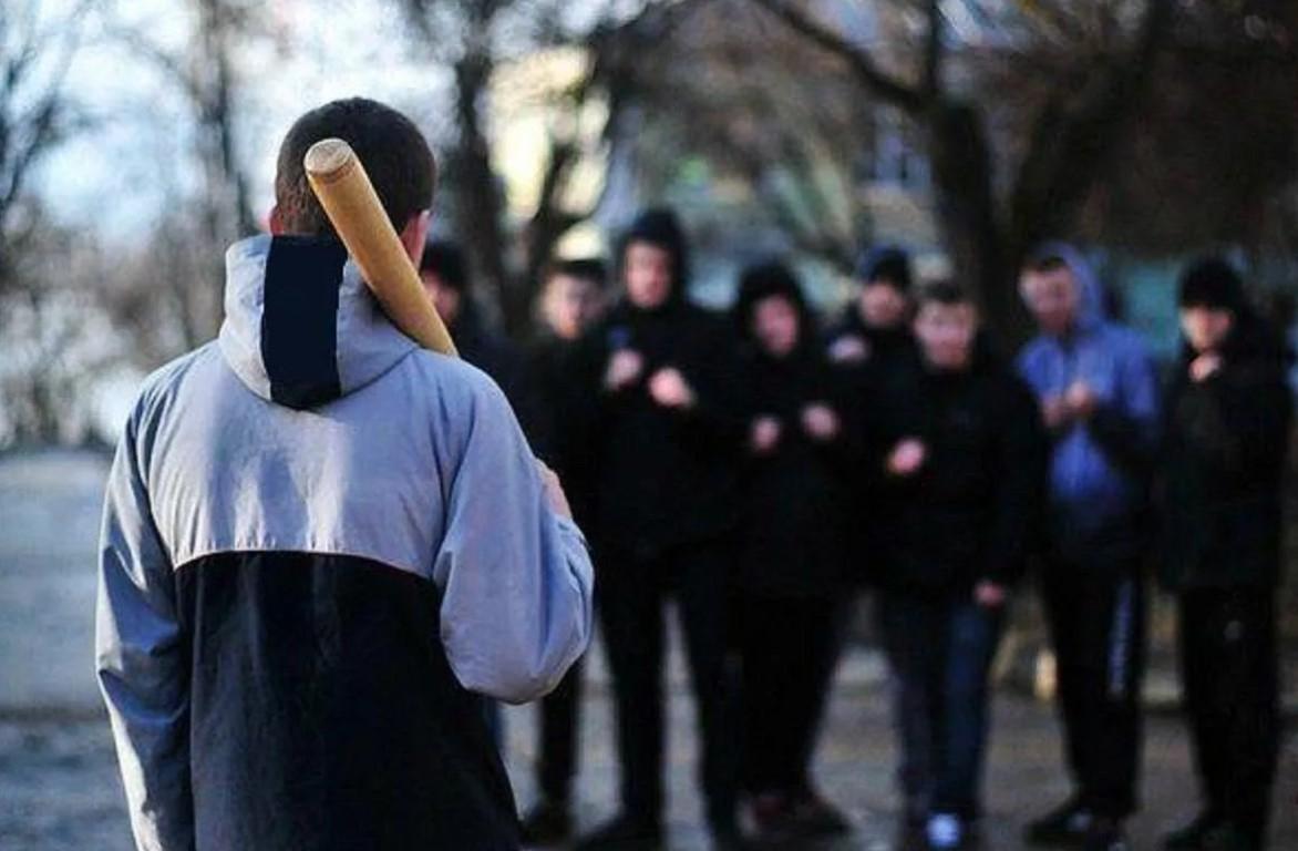 Оқушылар пышақтасқан: Шымкентте мектеп оқушысы пышақ жарақатын алды