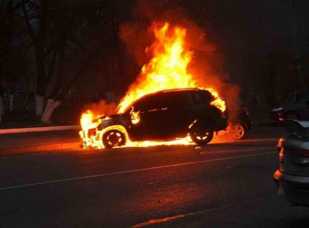 Бір отбасы жанып кетті: Ақтөбе облысында жол апатынан 6 адам қаза болды