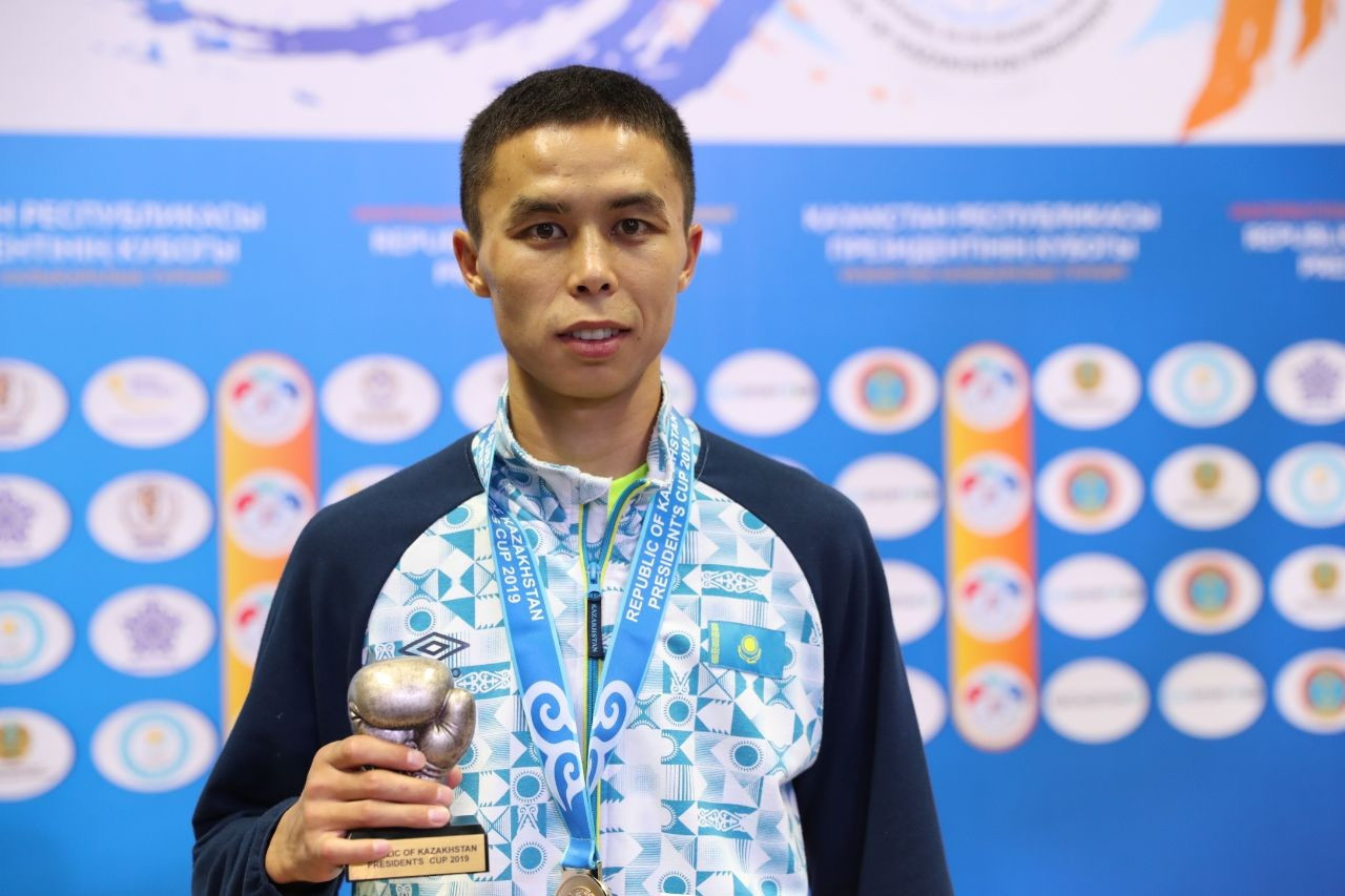 Сәкен Бибосынов бокстан әлем чемпионатында қола медаль алды