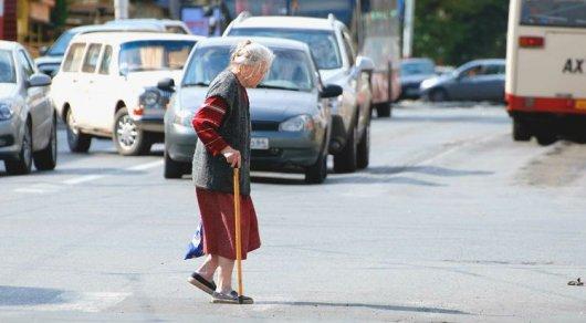 71 жастағы жүргізуші өзімен жасты зейнеткерді қағып кетті