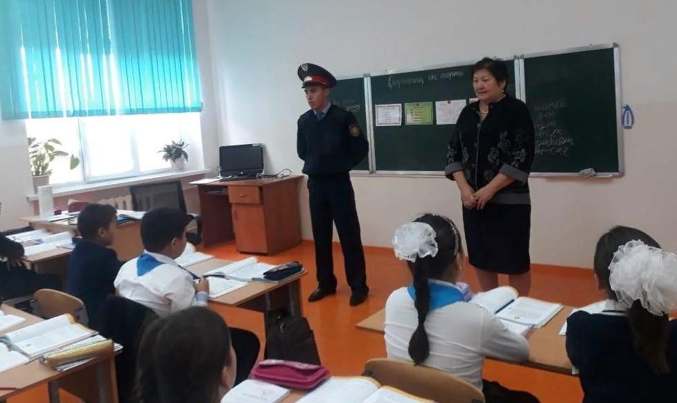 ТҮРКІСТАН: Арыста «Мен-полицеймін!» акциясы өткізілді