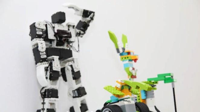 Елордада оқушылар арасында робототехникадан чемпионат өтуде