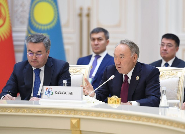 Назарбаев Орта Азия Президенттерін Түркістанға шақырды