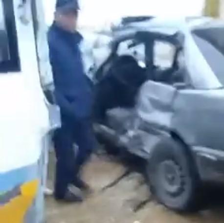 Шымкентте автобус пен жеңіл автокөлік соғысты (видео)