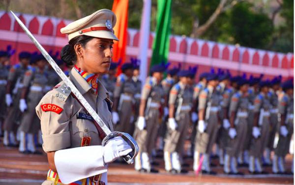 Үндістанда әйелдерді әскери командалық қызметтерге тағайындауға рұқсат берілді