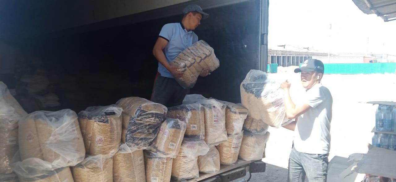 Мақтааралға Оралдан 12 тонна гуманитарлық көмек келіп жетті