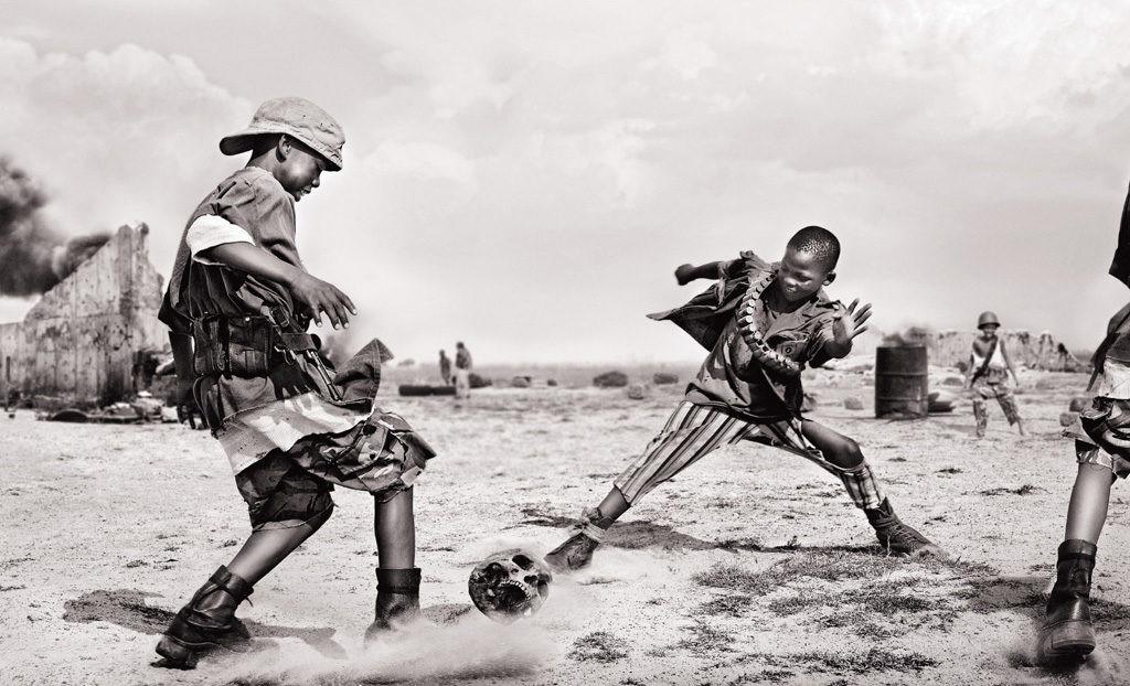 СІЗ БІЛЕСІЗ БЕ: Адамның БАС СҮЙЕГІМЕН футбол ойнайтындар әлі бар!
