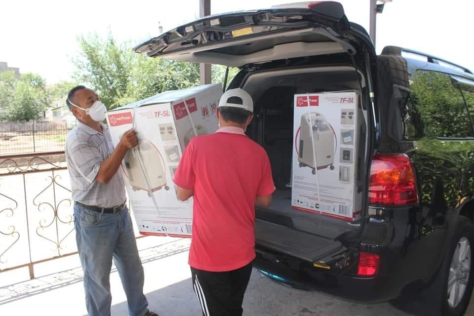 ТҮРКІСТАН: Қазығұрттық кәсіпкер ауруханаға жасанды тыныс алу аппараттарын тарту етті