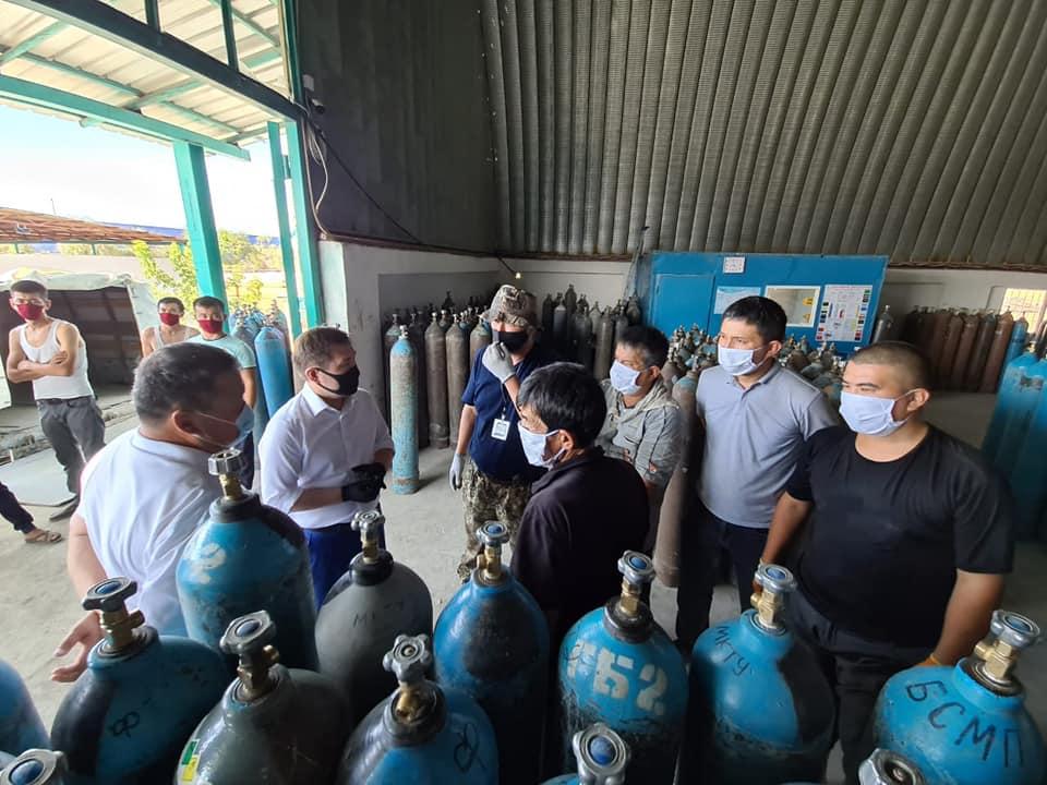 В четырех больницах Шымкента установят кислородные станции