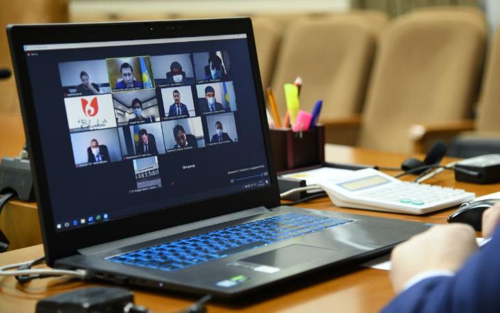 Мурат Айтенов провел в онлайн формате прием граждан по личным вопросам