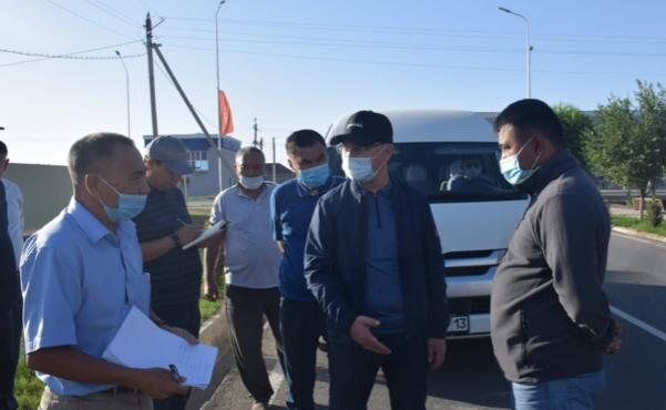 Түркістанның әкімі күн сайын таңғы уақытта қаланы аралайды