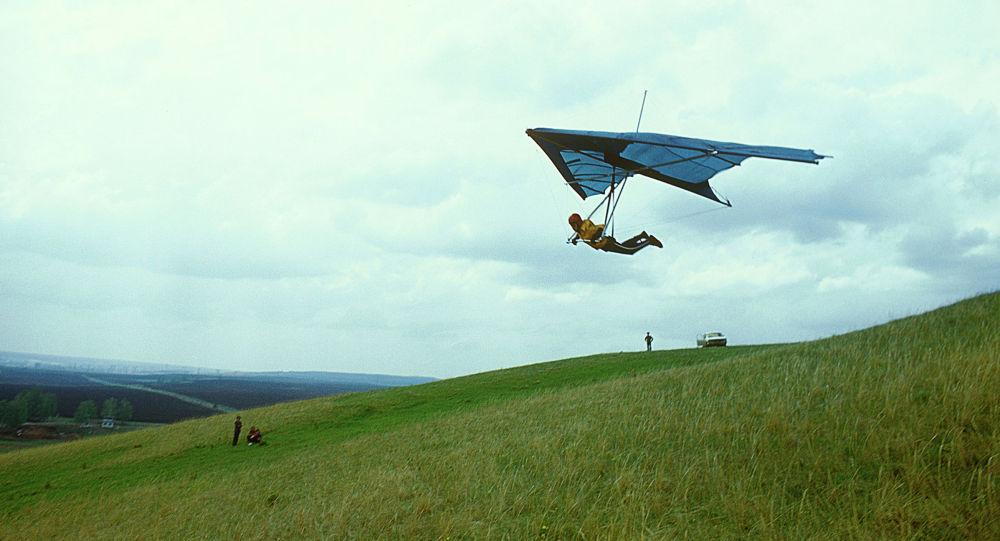 Маңғыстауда дельтапланмен ұшқан ер адам жартасқа соғылды (видео)