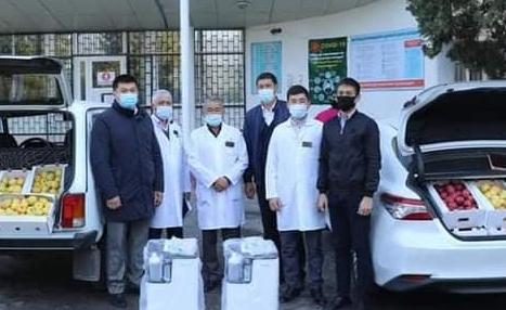 Түркістандық кәсіпкер ауруханаға жасанды тыныс алу аппараттарын сыйлады