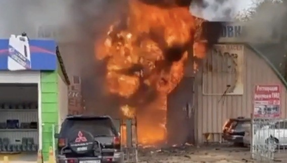 Алматыдағы техникалық жөндеу орталығында жарылыс болды (видео)