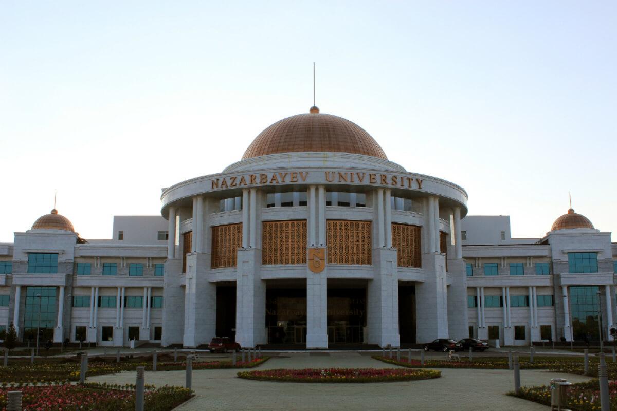 Назарбаев Университетінің профессоры қатерлі ісікке қарсы дәрі әзірлеп жатыр