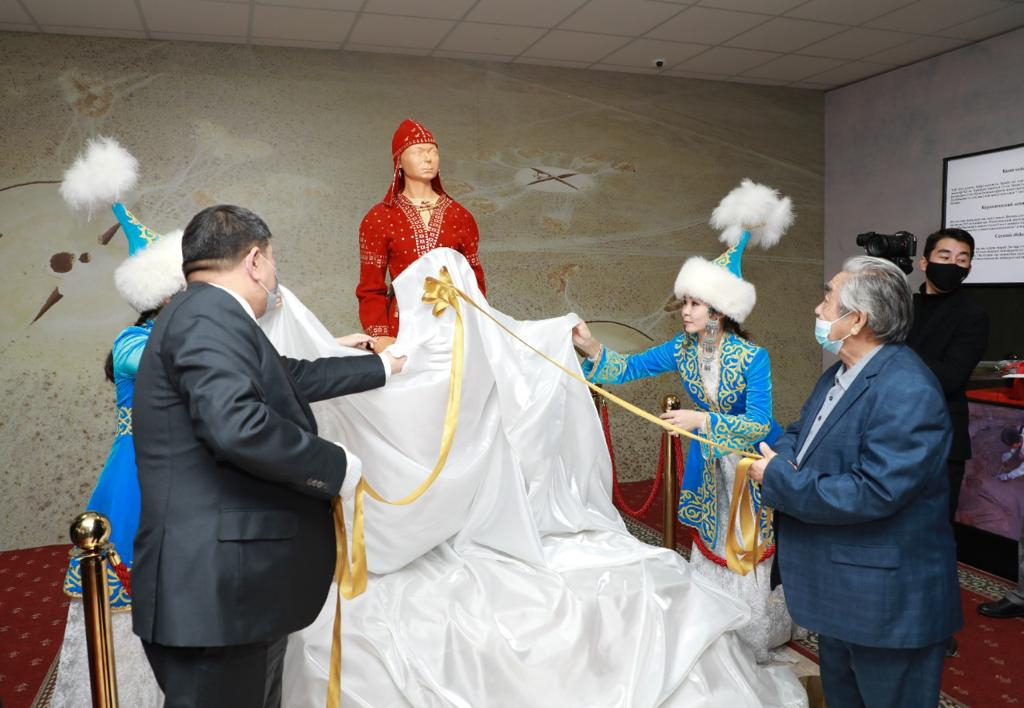 Атырауда «АЛТЫН АДАМ» реконструкциясының тұсауы кесілді