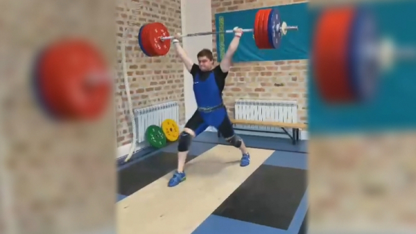 Қарағандылық ауыр атлет серпе көтеруден ел рекордын жаңартты