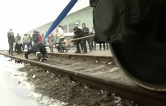 100 тонналық вагонды сүйреген қазақ Гиннестің рекордтар кітабына енді