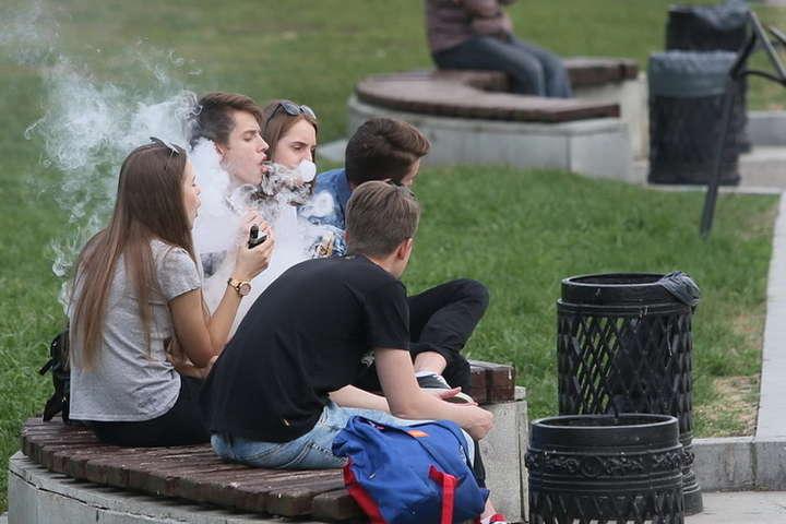 Жастардың темекі шегуі үлкен проблема болып отыр – ҚР ДСМ