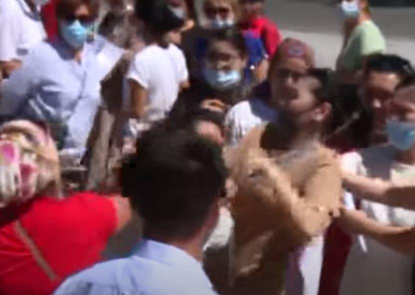ТҮРКІСТАН: Қайтарымсыз гранттан қағылған әйелдер жаға жыртысты (видео)
